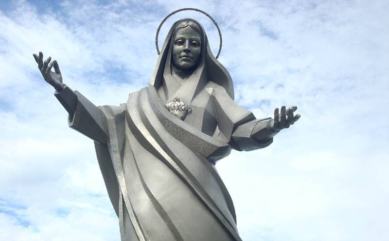 Quirky Attraction: Giant Jesus and Mary statues