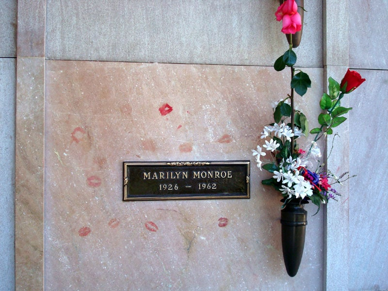 Marilyn Monroe grave burial resting place westwood