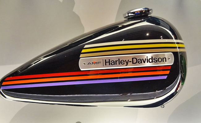 Harley black gas tank