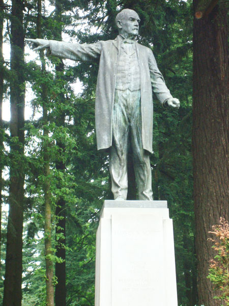 harvey w scott statue