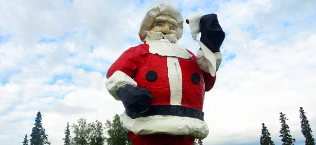 Quirky Attraction: World's Largest Santa Claus Statue