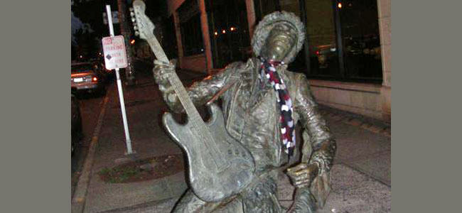 Quirky Attraction: Jimi Hendrix Statue in Seattle