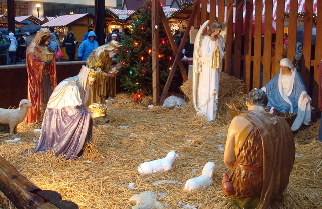 life size nativity scene