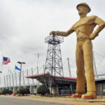 tulsa golden driller oil statue
