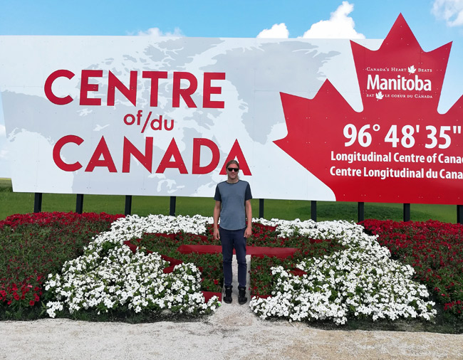 longitudinal center of canada